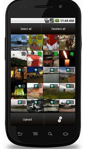 Cuando se tiene un teléfono con poca memoria y se tienden a tomar cientos de fotografías, tenemos diversas soluciones para ir sustituyendo las fotografías antiguas por las nuevas sin perder ninguna imagen. Una de ellas es Syncly, que automáticamente y por consiguiente de forma muy cómoda, sin que casi tengas que pensar en ello, sube las fotografías tomadas por tu dispositivo Android a tu carpeta de Dropbox. Con ello, podrás ir borrando las fotografías antiguas progresivamente para ir tomando nuevas imágenes sin miedo a perder información. La aplicación en todo momento te indica qué fotografías han sido subidas a Dropbox