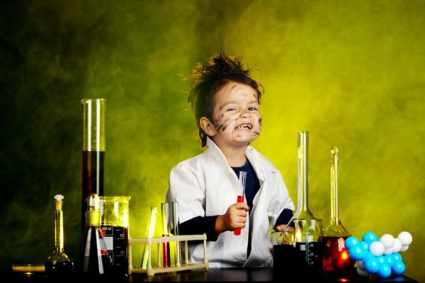 12 experimentos científicos fáciles de realizar y disponib