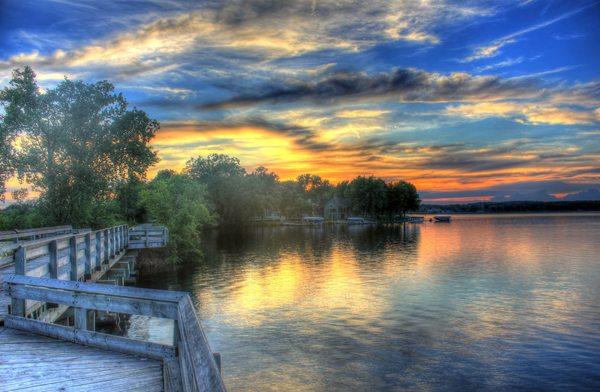 wisconsin-sunset-at-rock-lake