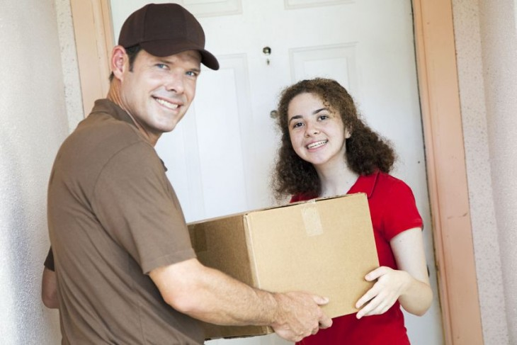 Entrega-pedido-tienda-online-satisfaccion-cliente
