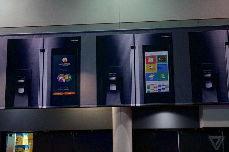 Los primeros anuncios físicos del nuevo refrigerador inteligente | The Verge