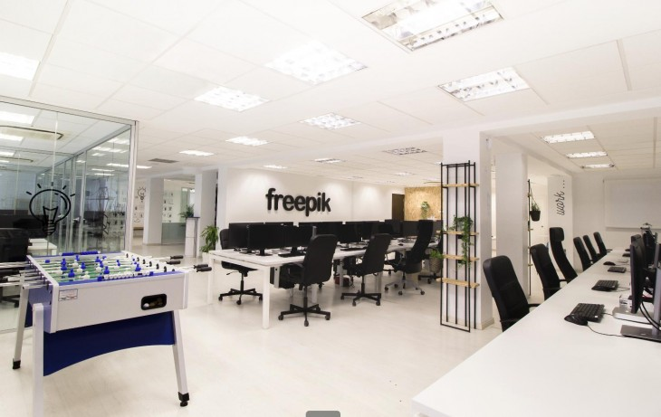 As son las oficinas de freepik en m laga for Oficinas bankinter malaga