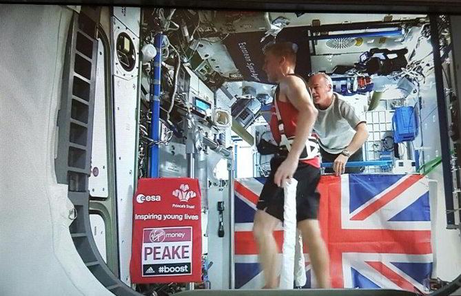 Astronauta británico corre la Maratón de Londres desde el espacio