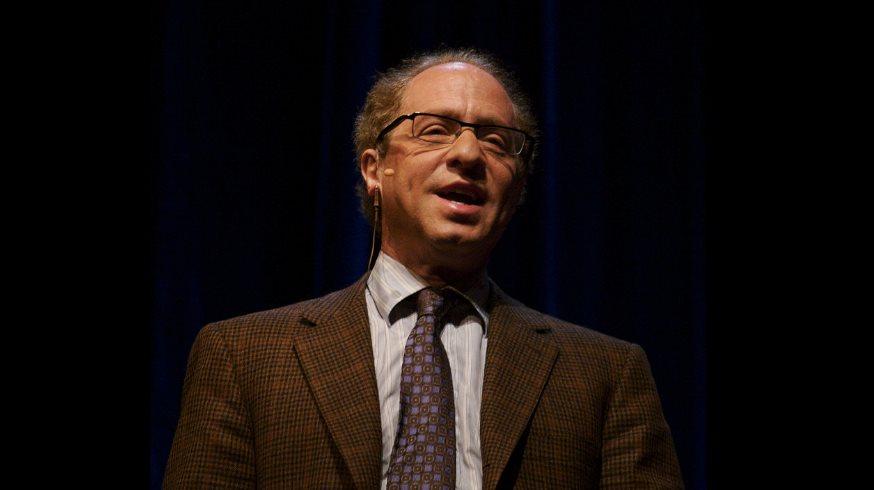 Ray Kurzweil, inventor y profeta de la inteligencia artificial, creará un chatbot en Google