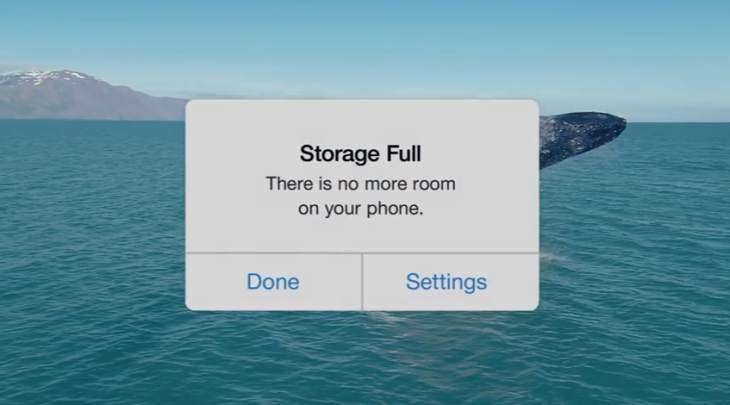 Google Fotos lanza un curioso anuncio mofándose de los iPhone de 16 GB