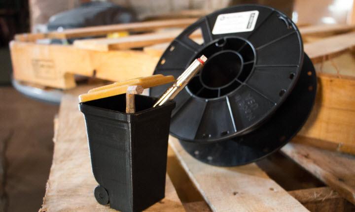 Crean un nuevo material de impresión 3D reciclando basura