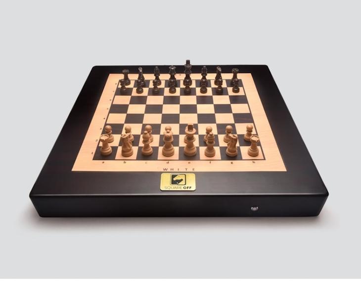 Square Off, un tablero de ajedrez inteligente para jugar con gente de todo el mundo