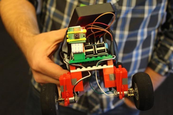 Imagen: Robot realizado con Raspberry Pi/Fundación Raspberry