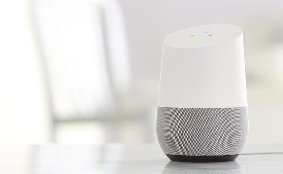 Google Home ya puede hacer llamadas gratuitas reconociendo la voz del usuario
