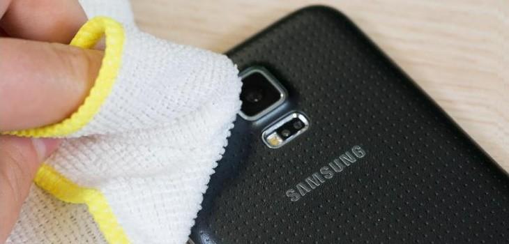 Limpiar lente de cámara móvil