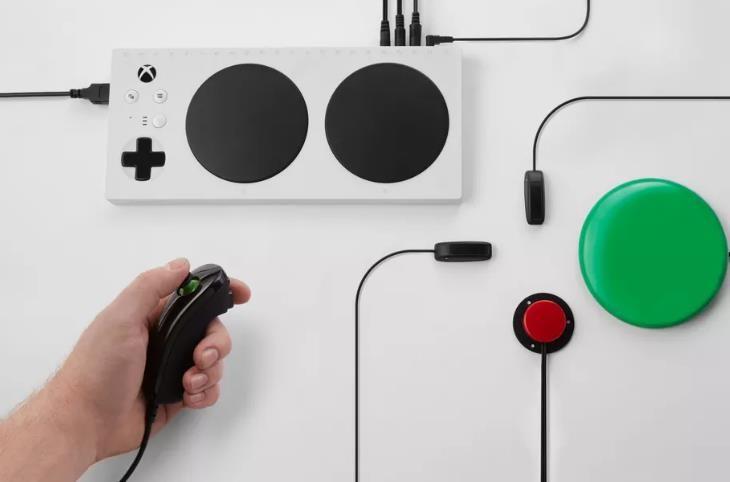 Microsoft presenta el mando de Xbox adaptable para las personas con discapacidad