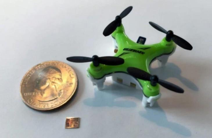 Presentan en el MIT un chip minúsculo para drones