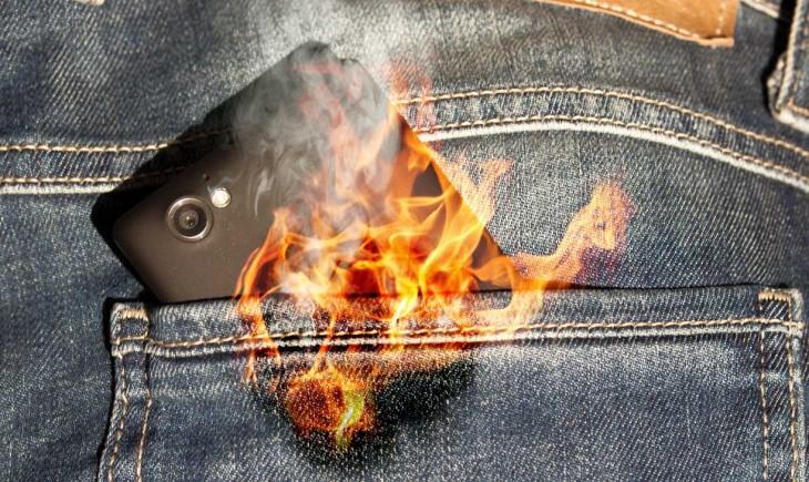 móvil con fuego