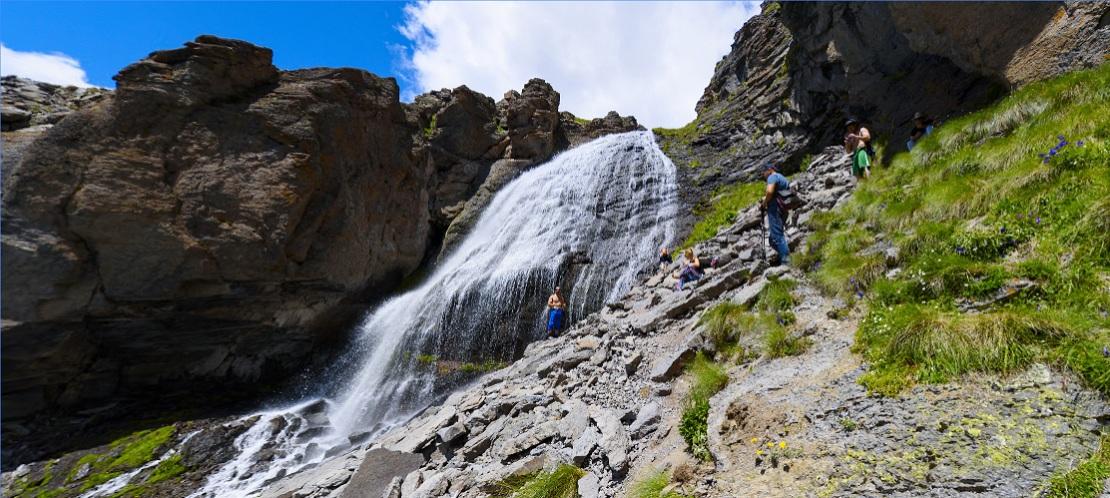 3 montañas increíbles que puedes explorar desde Google Maps