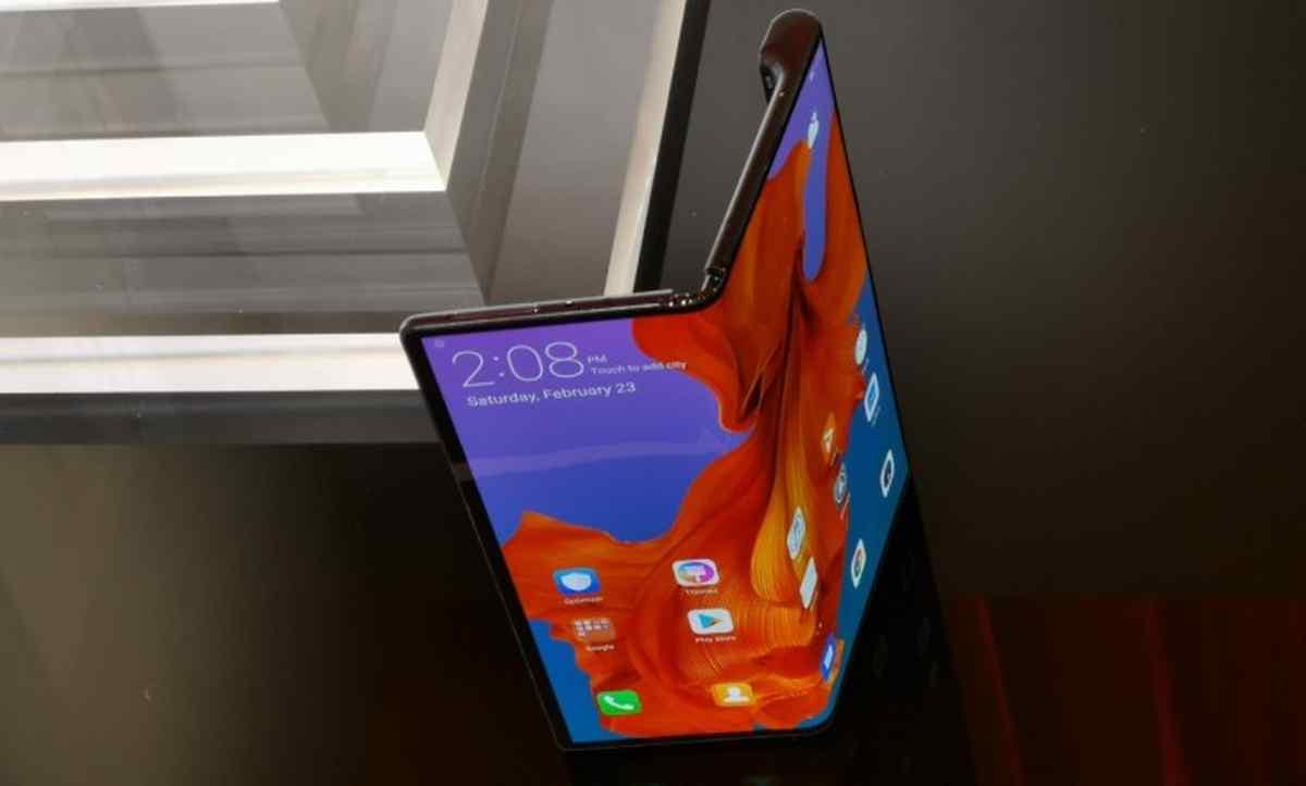 Nueva demora en el lanzamiento del teléfono plegable Mate X de Huawei