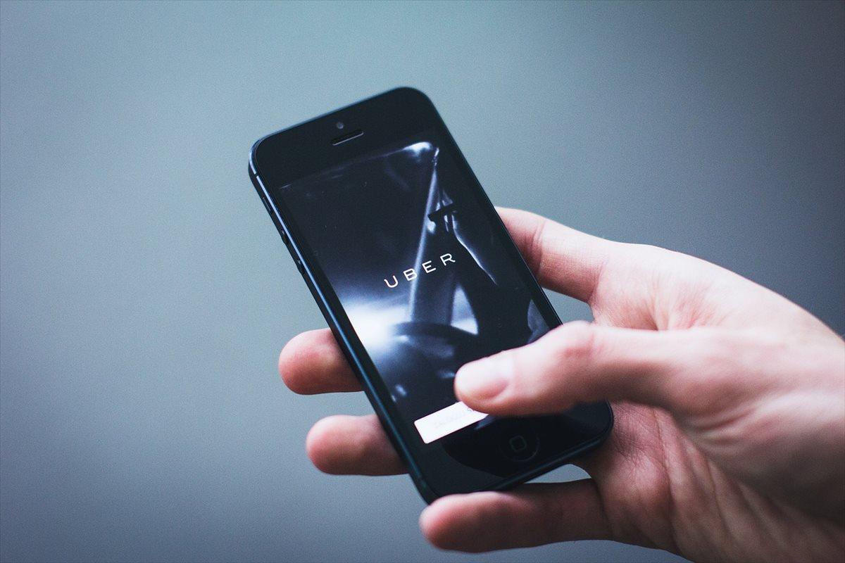 Semáforo en rojo para Uber por pérdidas y bajo crecimiento