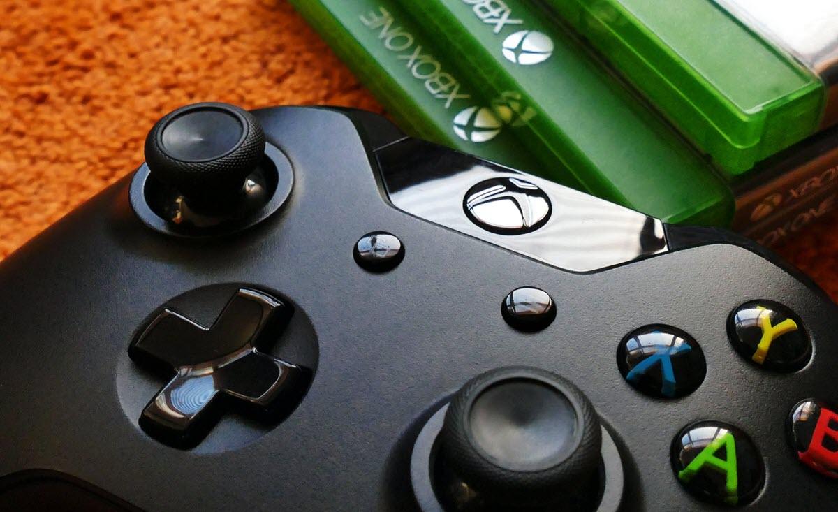 Microsoft permitió que contratistas escucharan grabaciones de voz de la Xbox