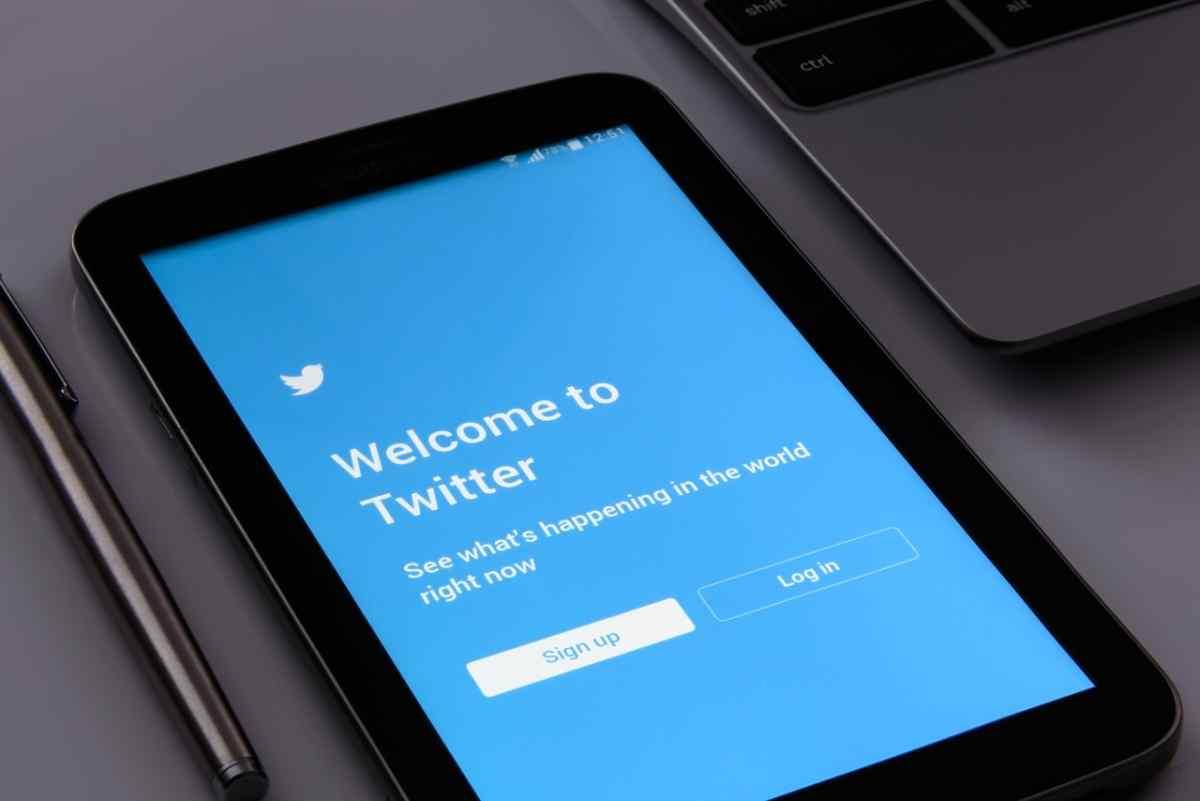 Twitter pudo haber compartido datos sin permiso de los usuarios