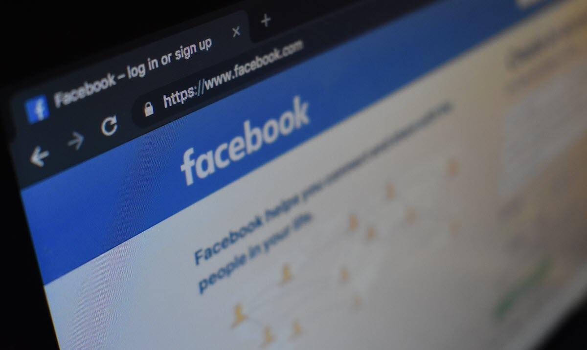 Números de teléfonos de millones de usuarios de Facebook expuestos en la web