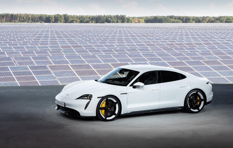 Así es el Porsche Taycan, su primer vehículo deportivo totalmente eléctrico