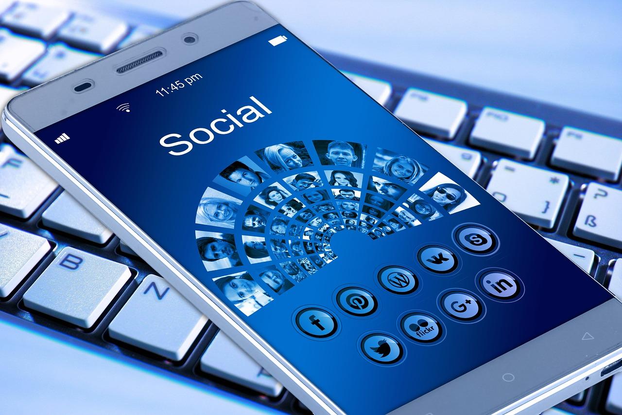 Dos opciones para crear redes sociales para las familias