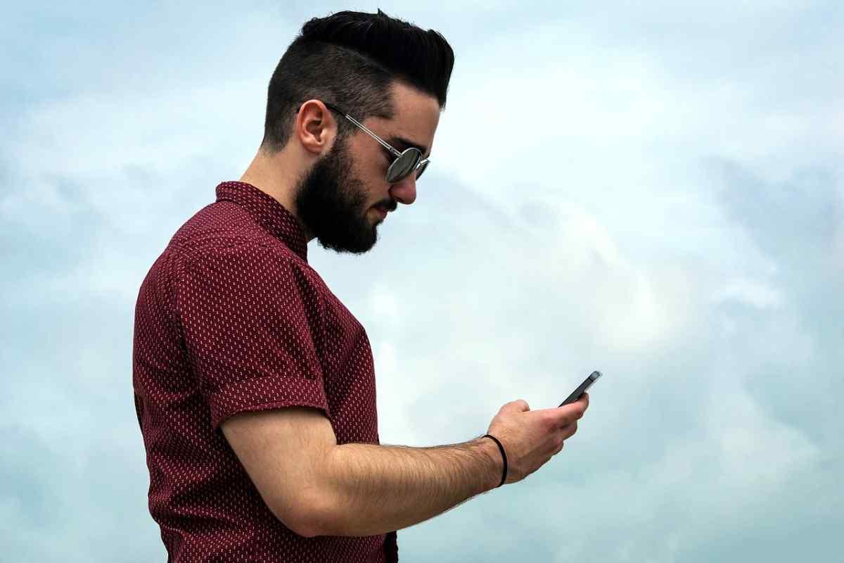 Dos clientes de mensajería basados en servicios de correo electrónico