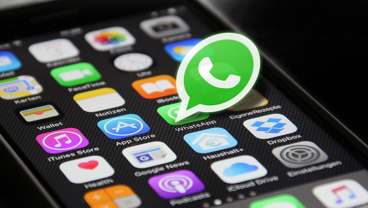 Ya puedes escuchar audios en WhatsApp sin entrar en la app