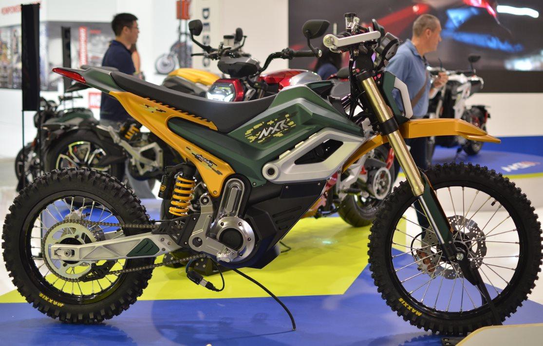 Moto eléctrica para montaña, con android, puede alcanzar los 120 km/h