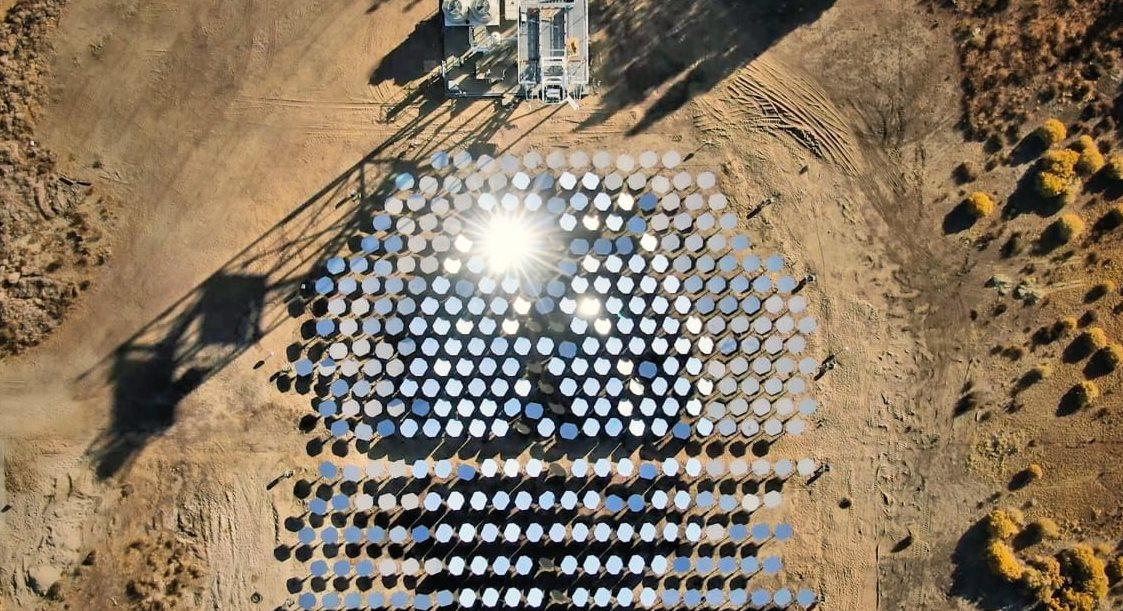 Bill Gates invierte en planta solar capaz de alcanzar temperaturas de 1000 grados