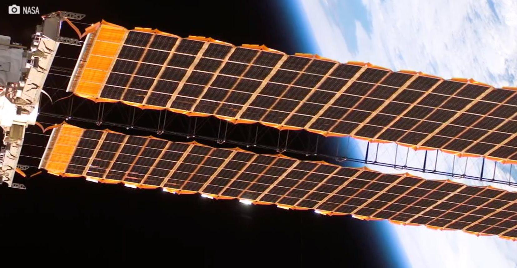 Células solares en aerosol para fabricar paneles solares en el espacio