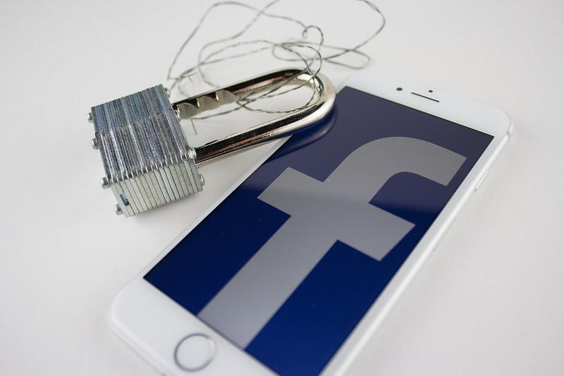 Facebook y el senado estadounidense se enfrentan por temas de privacidad