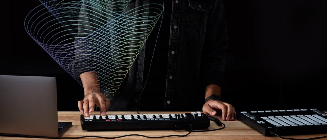 Amazon presenta un teclado que compone música usando inteligencia artificial