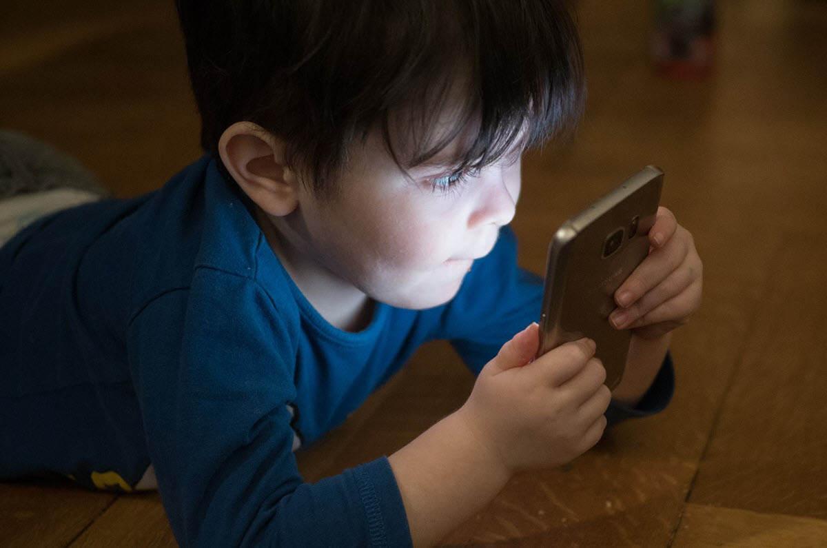 Nuevos controles parentales en iOS 13.3 que protegen a los niños de desconocidos