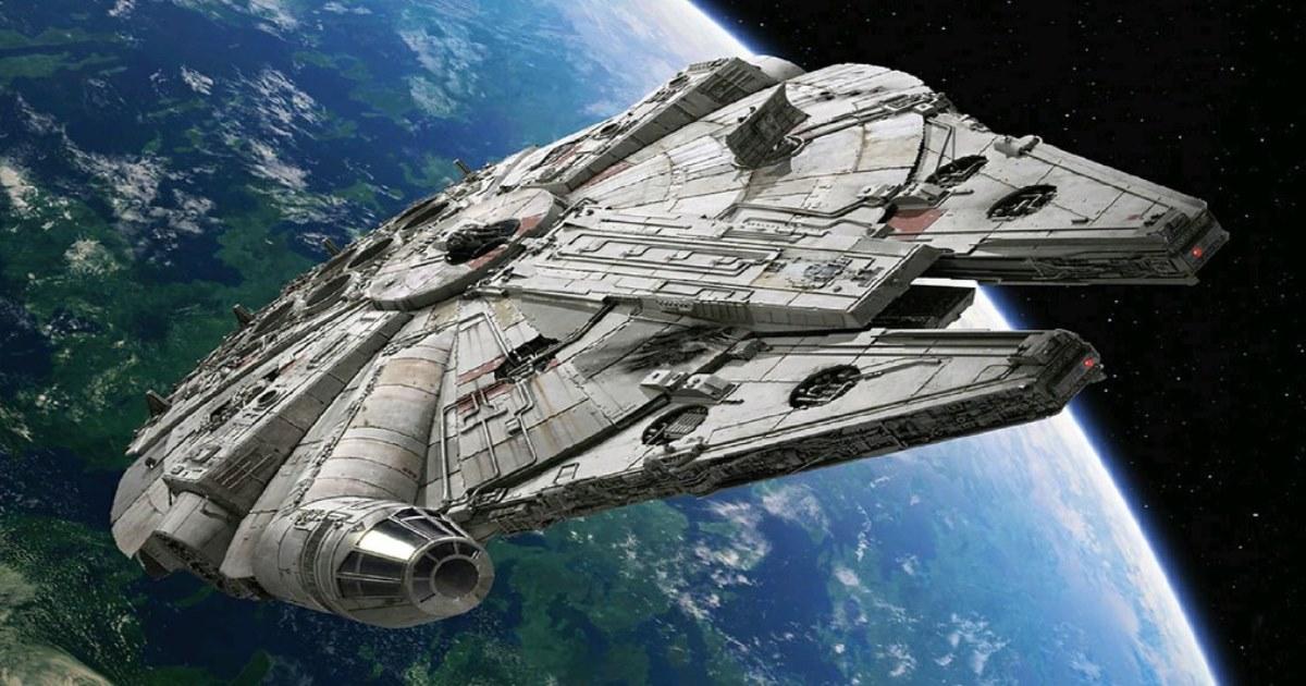 Si eres fanático de Star Wars este paseo por la Millenium Falcon te fascinará