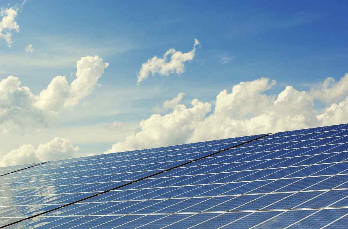 Amazon creará una granja solar en España para llevar energía renovable a sus centros de datos