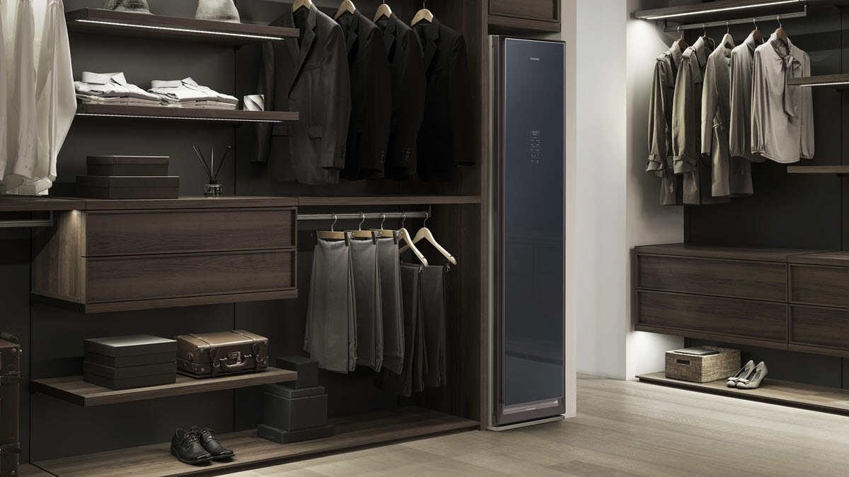Samsung lanza un armario que desinfecta y plancha la ropa