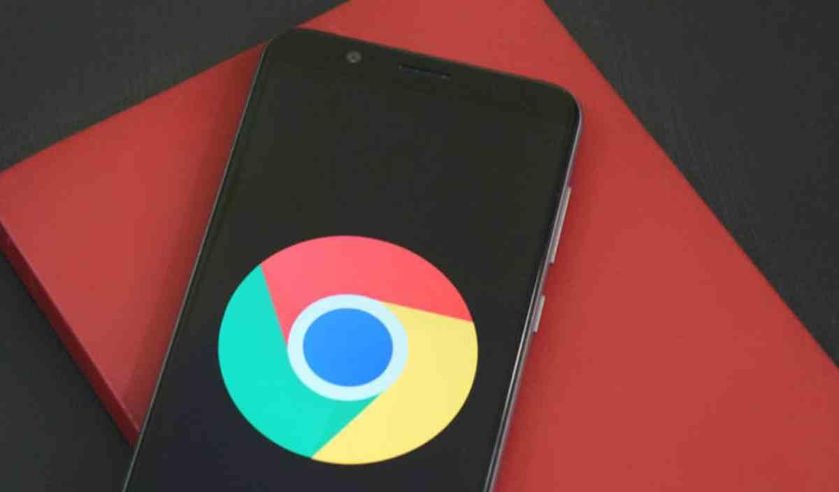 Google trabaja en sustituir la función de búsquedas por voz por el Asistente en Chrome para Android