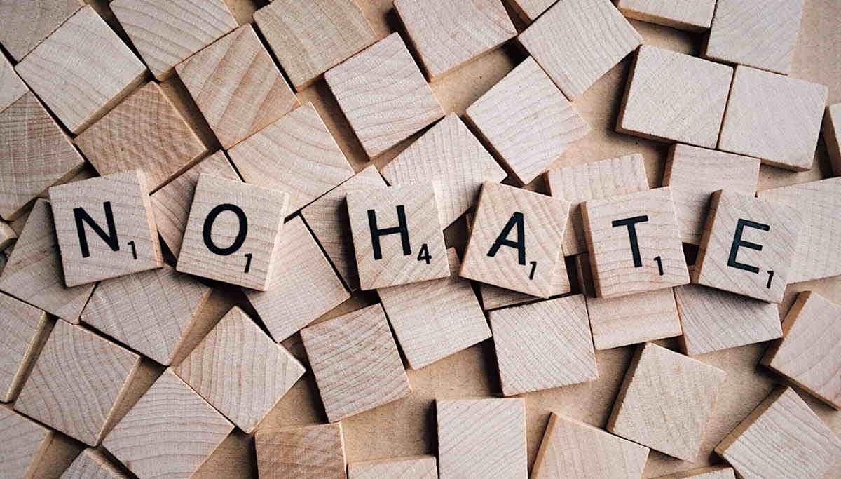 Una IA para combatir el discurso de odio en las redes sociales