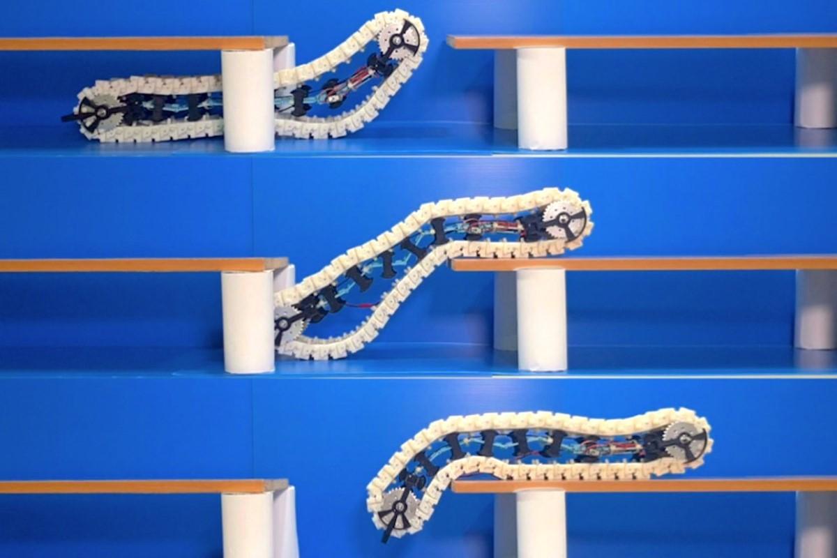 Vídeo de robot oruga que puede erguirse para cruzar obstáculos