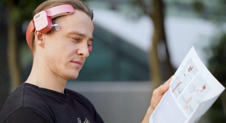 LEROU primer robot masajeador de cabeza simulado del mundo