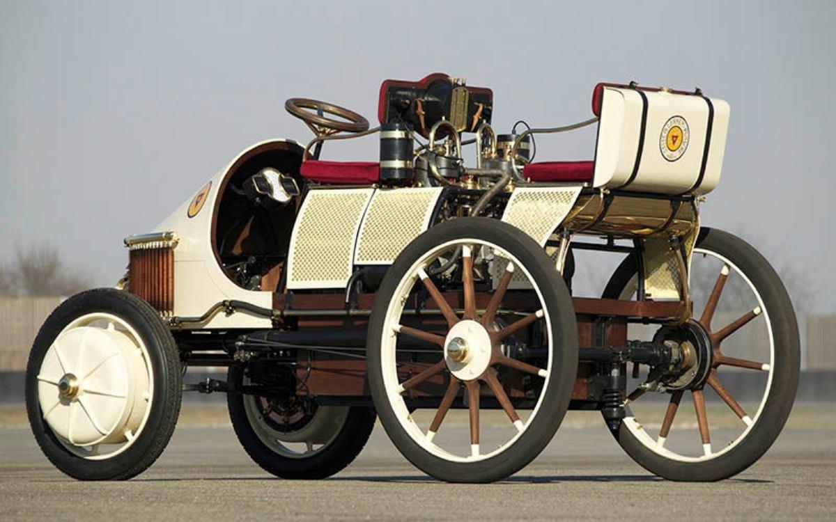 Porsche habría cambiado la historia del automóvil con su primer coche híbrido