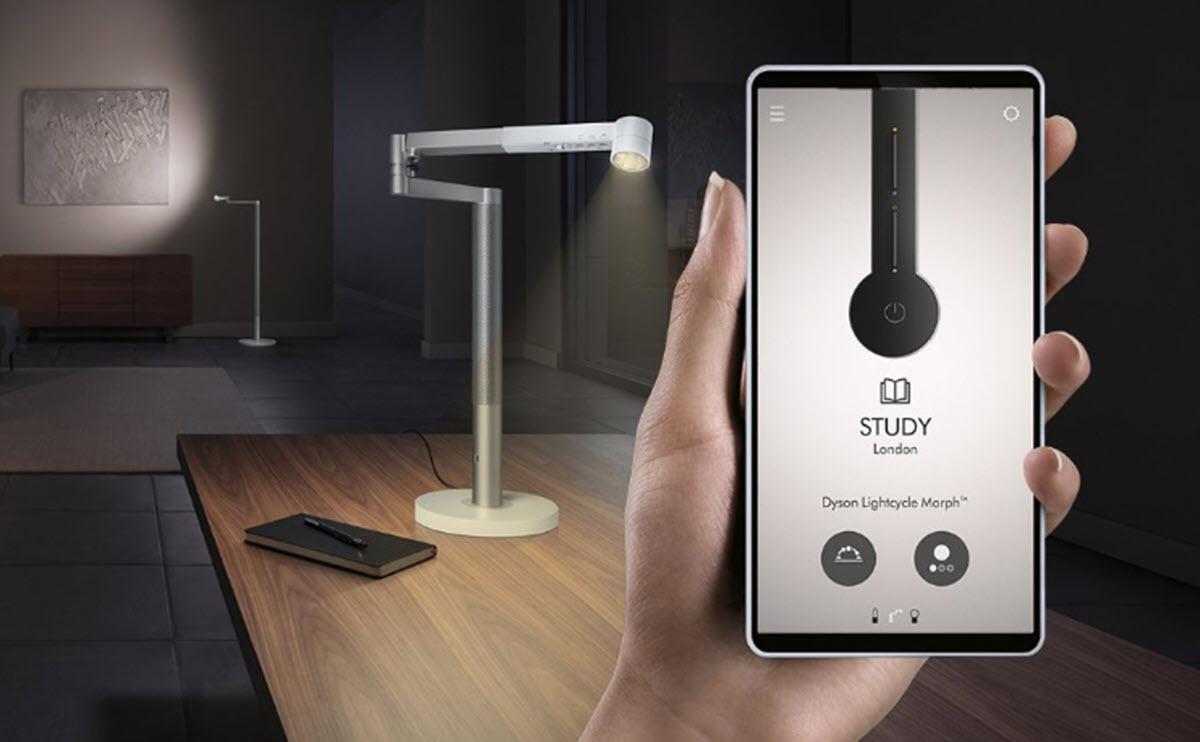 Esta lámpara inteligente ajusta la iluminación a la edad y estado de ánimo del usuario