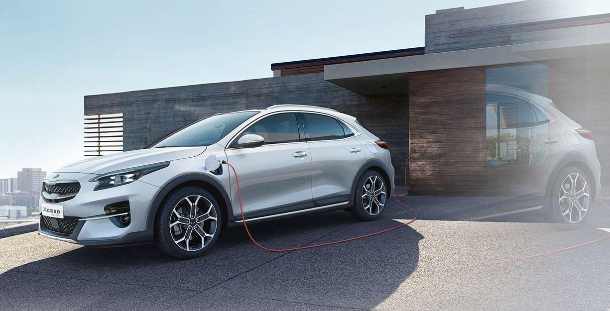 Kia presenta un nuevo coche híbrido, bueno y barato, pero con 48 km de autonomía
