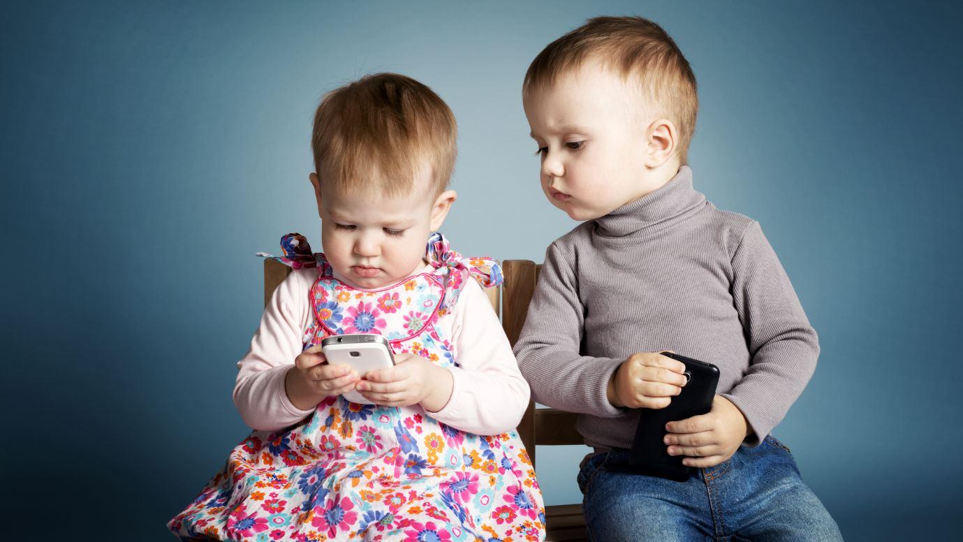 Las 3 primeras cosas que debes hacer en el móvil de tu hijo