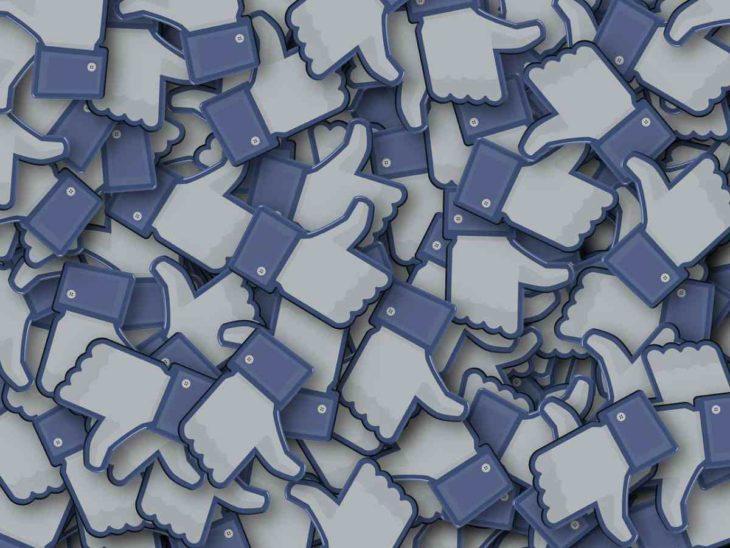 Pulgares de Facebook