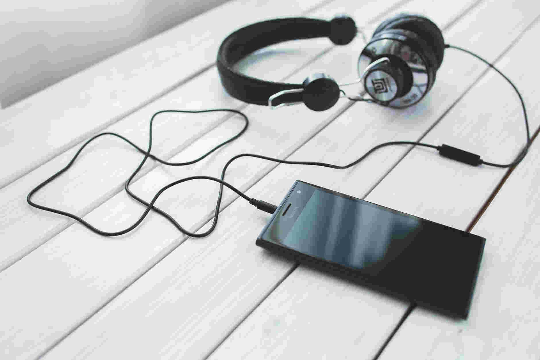 4 apps para descubrir música con el micrófono de tu teléfono