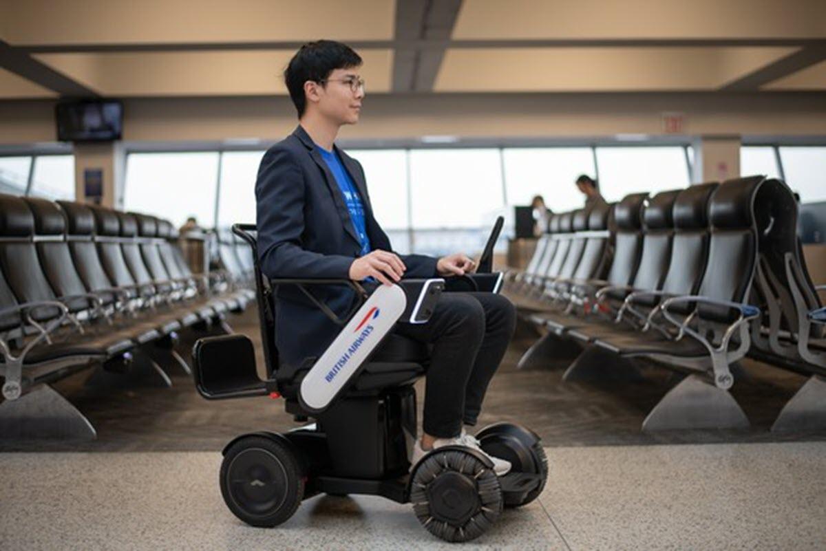 Sillas eléctricas y autónomas en los aeropuertos para personas con poca movilidad
