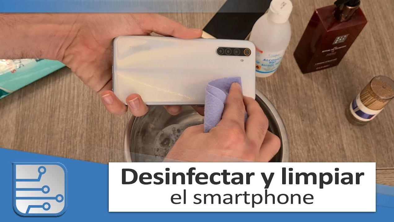 Un paso a paso para limpiar y desinfectar bien tu móvil