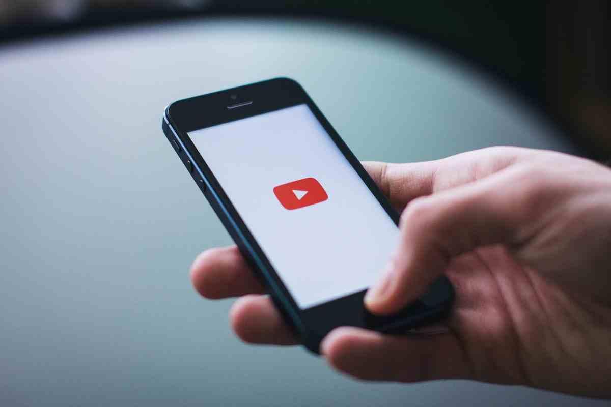 YouTube inicia las pruebas de una función que facilita la compra de productos mencionados
