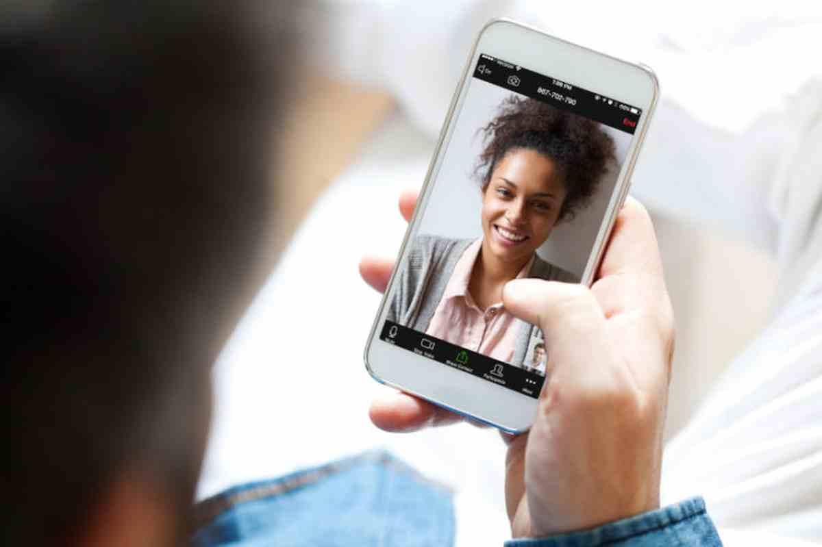Prohíben el uso de la plataforma de videollamadas Zoom en las aulas de Nueva York